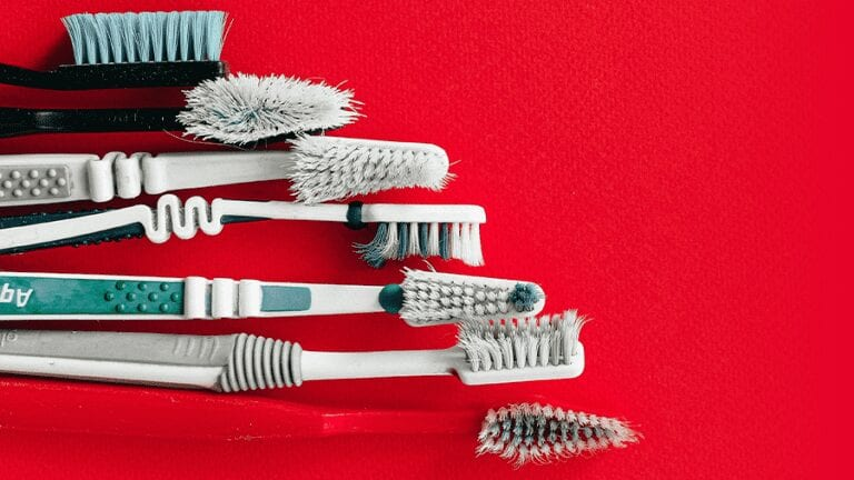 Why a High Quality Toothbrush Will Not Be Made of Plastic