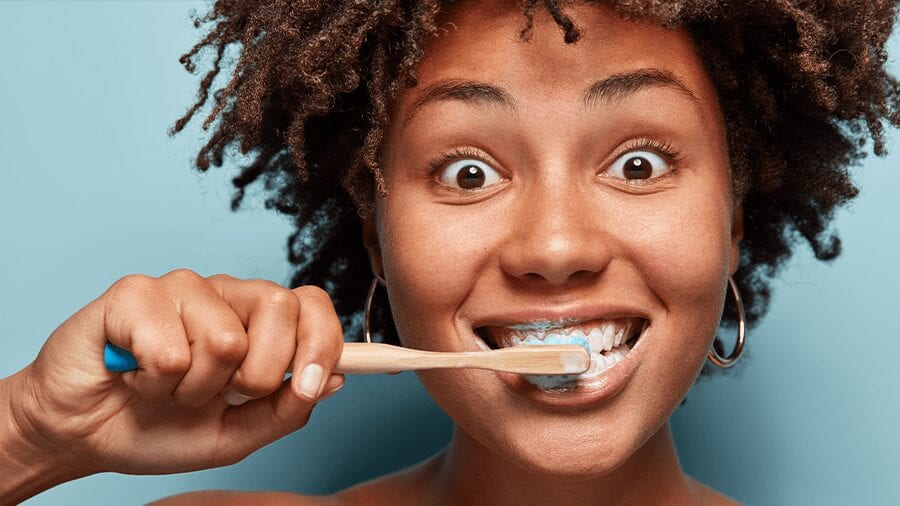 5 Mistakes You Probably Make when Brushing Your Teeth (and How to Fix Them)