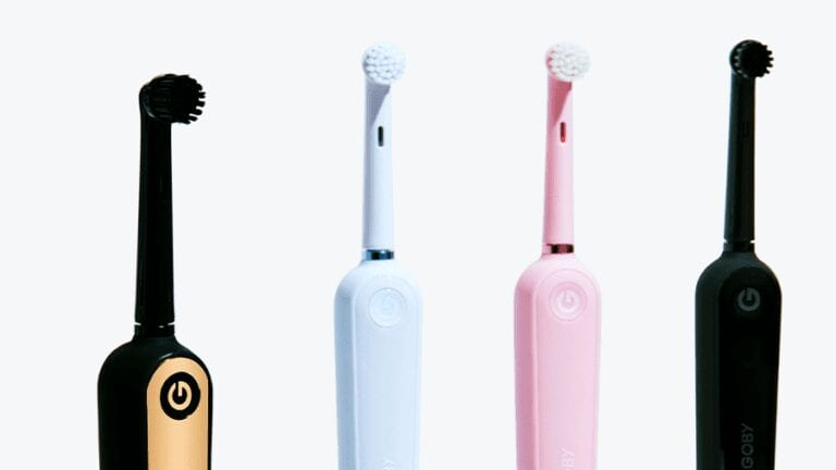 The Lowdown on Manual vs. Electric Toothbrushes – What Every Consumer Should Know